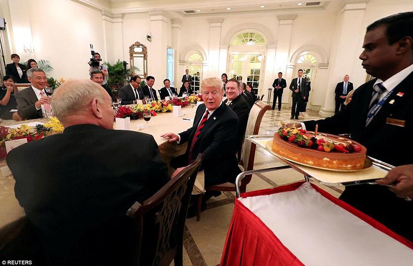 Trump kim summit at singapore via Sancharkarmi
